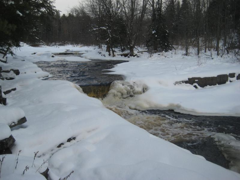 Icy, visible drops on the Sturgeon River