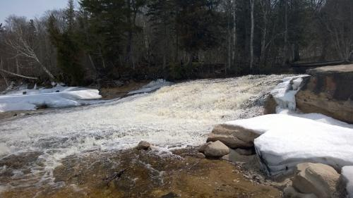 Gushing spring waters