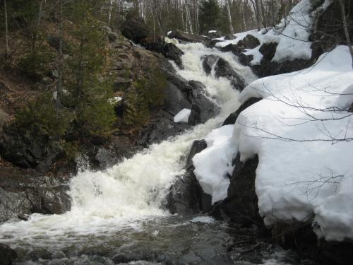 Snowy banks around Queen Annes Falls