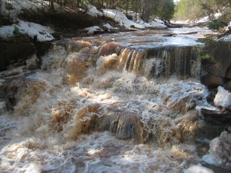 Overflowing Sandstone Creek Falls