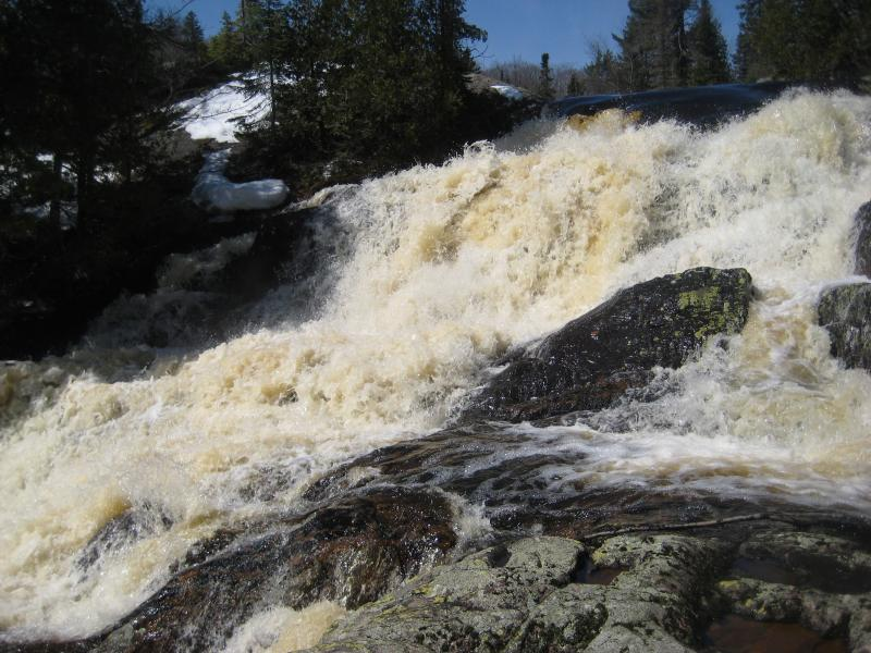 Gushing angry water over the rock pillow