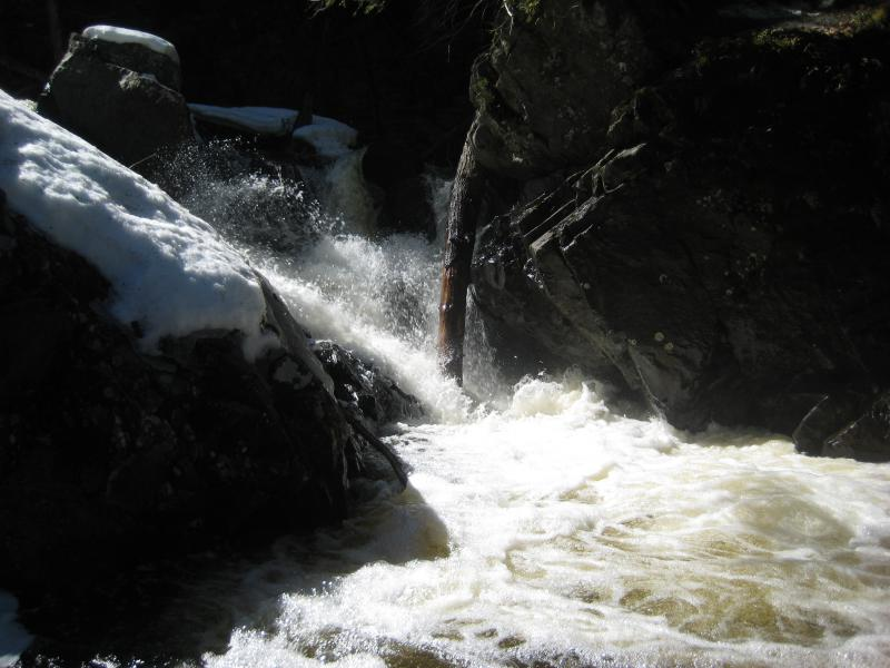 An overflowing chute
